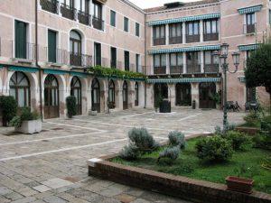 Canossiano courtyard